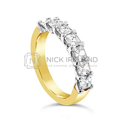DWR3/ 18CT GOLD CARRE CUT DIAMOND WEDDING RING