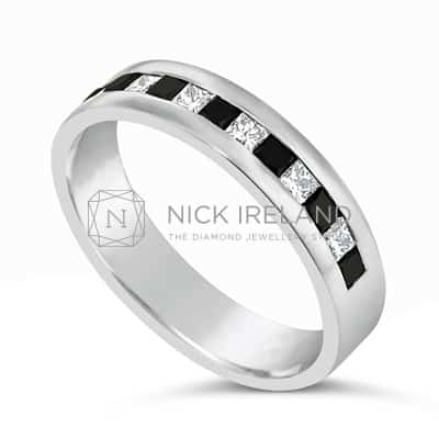 DWR21/ PLATINUM BLACK AND WHITE DIAMOND BAND