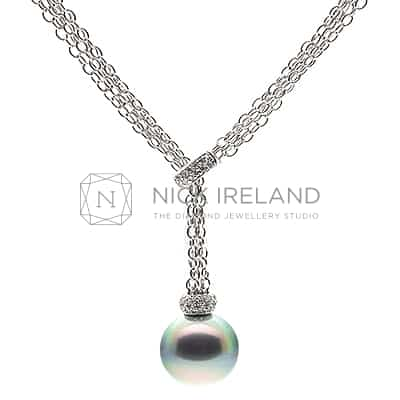 PJ17 / TAHITIAN PEARL AND DIAMOND 18CT WHITE GOLD NECKLACE